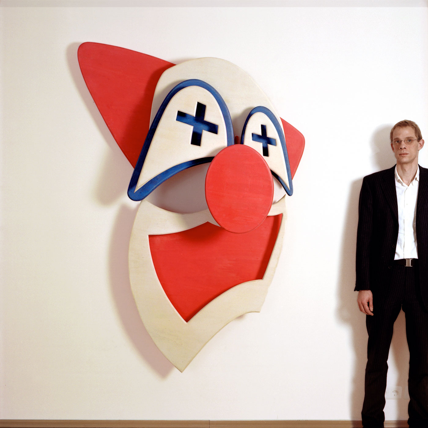 JOKER, © 2001, waxed and stained plywood, 130 x 200 x 40 cm
