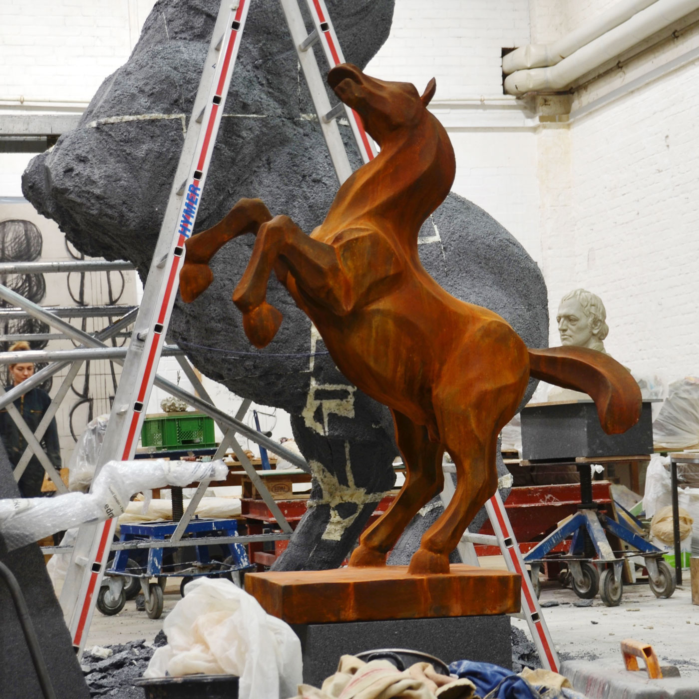 HORSE I, 2. MODEL, © 2013, styrofoam, lined with paper, steel framework, acrylic paint, 490 x 400 x 160 cm incl. base