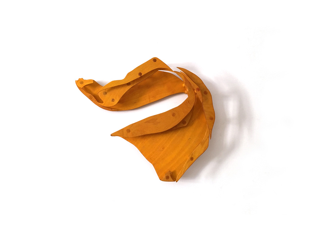 Dancing Towel Yellow I, Stephan Hüsch © 2016, oiled and stained plywood, 65 x 55 x 14 cm