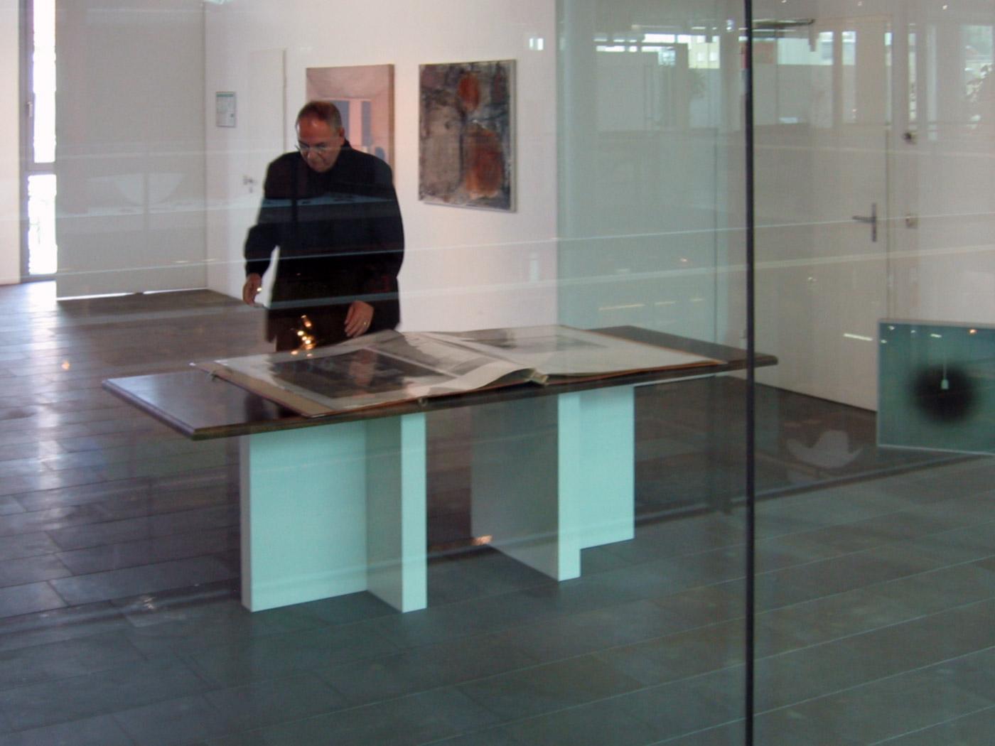 TABLE © 2004, plywood, 200 x 100 x 75 cm